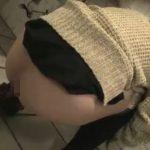 ナンパした女の子がウンチをブリブリ脱糞する所を撮影してます