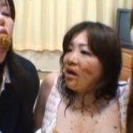 ウンコを食べれる変態女達のレズスカプレイ