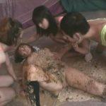女の子がスカトロ好きのお姉さんの生贄にされた!