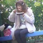 公園で弁当食べてたらウンコしたくなって野グソ