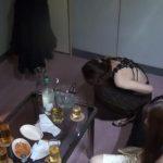 食あたりでお姉さん達が次々と下痢便ウンコお漏らしする大事件勃発!